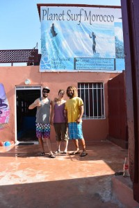 belle rencontre du surfeur local Tarek,  Planet surf Morroco, Imssouane