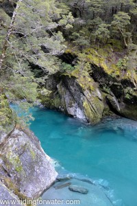 Les eaux limpides des Blue Pools