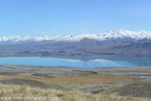 Lac Tekapo, températures printanières, l'idéal pour un petit pic-nic.